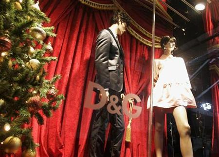 The window of the Dolce & Gabbana flagship boutique is shown during it's opening in Los Angeles December 15, 2008, benefiting the Art of Elysium, a non-profit organization bringing creative projects to children who are battling serious medical conditions. REUTERS/Fred Prouser