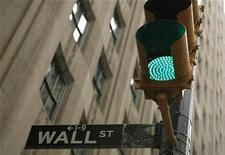 <p>A sign is pictured on Wall St. near the New York Stock Exchange in New York November 25, 2008. REUTERS/Lucas Jackson</p>
