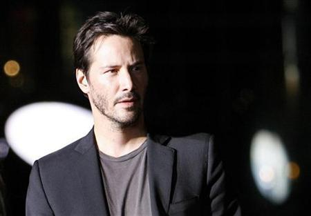Actor Keanu Reeves attends the AFI Night at the Movie event at the Arclight theatre in Hollywood, California, October 1, 2008. REUTERS/Mario Anzuoni