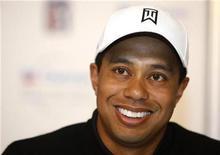 <p>El golfista Tiger Woods durante una conferencia de prensa en Thousand Oaks, EEUU, 17 dic 2008. El número uno del ranking mundial de golf, Tiger Woods, aceptó una invitación para hablar durante un evento previo a la toma de poder del presidente electo de Estados Unidos, Barack Obama, que tendrá lugar el domingo en Washington, D.C. REUTERS/Lucy Nicholson</p>