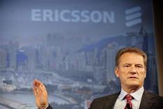 <p>Carl-Henric Svanberg, directeur général d'Ericsson. L'équipementier télécoms suédois qui publie, avec plus d'une semaine d'avance un bénéfice du quatrième trimestre dépassant les attentes, annonce 5.000 suppressions d'emplois et relève ses objectifs d'économies de coûts. /Photo prise le 20 octobre 2008/REUTERS/SCANPIX/Jessica Gow</p>
