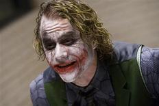 <p>A família do ator Heath Ledger festejou na sexta-feira sua indicação póstuma a um Oscar, mas sua alegria foi moderada pelo momento do anúncio, feito exatamente um ano após a morte de Ledger em Nova York. REUTERS/Warner Bros</p>