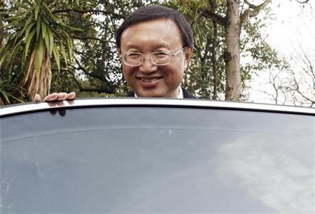 China's Foreign Minister Yang Jiechi smiles as he leaves Sao Bento palace after a meeting with Portugal's Prime Minister Jose Socrates (not pictured) in Lisbon January 21, 2009. REUTERS/Nacho Doce