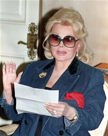 Actress Zsa Zsa Gabor is seen in this file photo, Nov. 13, 1992. REUTERS/Fred Prouser/files