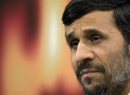 Iranian President Mahmoud Ahmadinejad speaks at a news conference in Tehran January 15, 2009. REUTERS/Caren Firouz