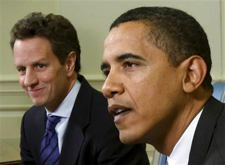 President Barack Obama (R) meets with Treasury Secretary Timothy Geithner in the Oval Office at the White House in Washington, January 29, 2009. REUTERS/Jim Young