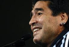 <p>Una immagine di archivio di Diego Maradona . REUTERS/Jean-Paul Pelissier</p>