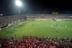 <p>Foto de arquivo do estádio Feliciano Cáceres na Copa América de 1999. REUTERS/Arquivo</p>