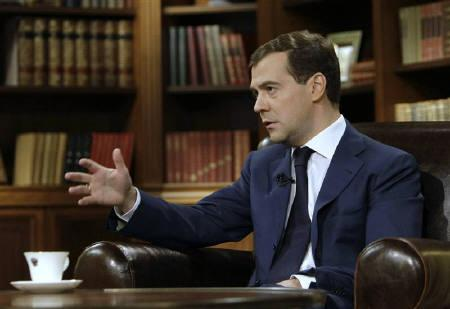Russia's President Dmitry Medvedev speaks during an interview to a Russian TV channel in Moscow in this February 12, 2009 file photo. REUTERS/RIA Novosti/Kremlin/Dmitry Astakhov