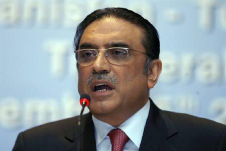 Pakistan's President Asif Ali Zardari is seen during a news conference in Istanbul in this December 5, 2008 file photo. Zardari will see growing turmoil unless he takes steps to bolster democracy as opposition coalesces around a demand for an independent judiciary, his main rival said on Monday. REUTERS/Osman Orsal/Files