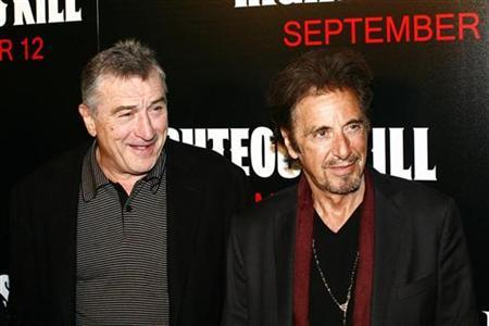 Actors Robert De Niro and Al Pacino (R) arrive for the premiere of the film ''Righteous Kill'' in New York September 10, 2008. REUTERS/Keith Bedford
