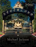 <p>Los portones del rancho Neverland aparecen en la portada de un catálogo de artículos de Michael Jackson que serán subastados entre el 22 y el 25 de abril, en esta imagen dada a conocer a Reuters el 17 de febrero del 2009. REUTERS/Shaan Kokin/Julien's Auctions/Handout (UNITED STATES).</p>