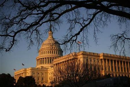 The Capitol building is seen before the start of President Barack Obama's primetime address to a joint session of the U.S. Senate and House of Representatives on Capitol Hill in Washington, February 24, 2009. REUTERS/Jim Young