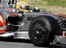 <p>A McLaren e o campeão do mundo Lewis Hamilton nunca ficaram tão para trás como nos testes desta semana em Barcelona, disse o brasileiro Felipe Massa, da Ferrari. REUTERS/Gustau Nacarino (ESPANHA)</p>