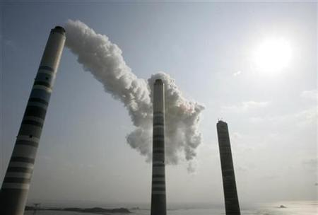 View of smokestacks at a thermal power plant in Inchon west of Seoul, February 1, 2007. REUTERS/Jo Yong-Hak