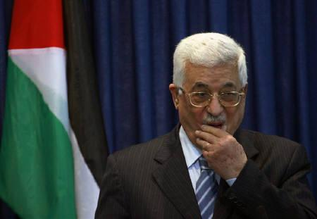 Palestinian President Mahmoud Abbas attends a joint news conference with U.S. Secretary of State Hillary Clinton in the West Bank city of Ramallah March 4, 2009. REUTERS/Fadi Arouri