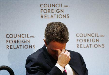 U.S. Treasury Secretary Timothy Geithner rubs his head at the Council on Foreign Relations in New York March 25, 2009. REUTERS/Shannon Stapleton