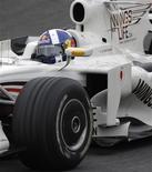 <p>O piloto David Coulthard que era da Red Bull na corrida de Fórmula 1 durante testes em Interlagos, em São Paulo. 31/12/2008. REUTERS/Sergio Moraes</p>