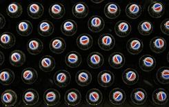 <p>Bottigliette di Pepsi. REUTERS/Luke MacGregor</p>