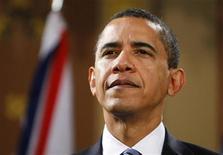 """<p>Президент США Барак Обама на встрече с премьер-министром Британии Гордоном Брауном в Лондоне 1 апреля 2009 года. Президент США Барак Обама опроверг слухи о конфликте между ведущими мировыми экономиками накануне антикризисного саммита """"Большой двадцатки"""" и призвал из действовать сообща, чтобы найти самый быстрый выход из рецессии. REUTERS/Phil Noble</p>"""