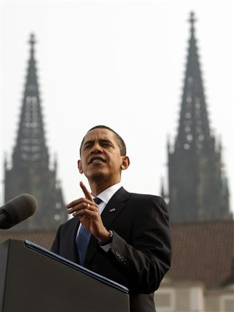 U.S. President Barack Obama delivers a speech in Hradcany Square in Prague, April 5, 2009. REUTERS/Jim Young