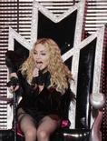 """<p>Cantora norte-americana Madonna durante a turnê """"Sticky and Sweet"""" no Rio de Janeiro. 14/12/2008. REUTERS/Sergio Moraes</p>"""