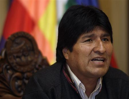 Bolivia's President Evo Morales speaks during a news conference at the presidential palace in La Paz, April 11, 2009. Morales entered the third day of a hunger strike in protest at opposition lawmakers' efforts to block the election reform law, which is seen helping him in a December general election by assigning more seats to poor, rural areas where he is popular. REUTERS/David Mercado