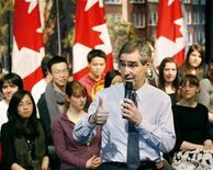 <p>Canadian Liberal leader Michael Ignatieff speaks to students at a town hall meeting at Western Canada High School in Calgary, Alberta, April 6, 2009. REUTERS/Todd Korol</p>