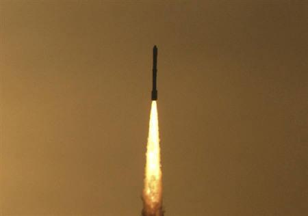 India's Polar Satellite Launch Vehicle (PSLV) C-12 blasts off from Satish Dhawan space centre at Sriharikota, about 100 km north of Chennai, April 20, 2009. REUTERS/Babu