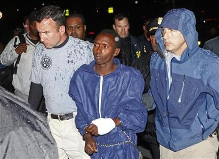 Teen Somali pirate suspect to be tried as adult | Reuters