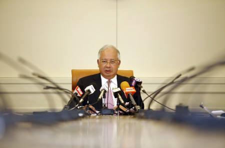 Malaysia's new Prime Minister Najib Razak speaks during a news conference at his office in Putrajaya outside Kuala Lumpur April 22, 2009. REUTERS/Bazuki Muhammad