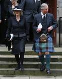 <p>Príncipe Charles e sua esposa Camilla, duquesa de Cornwall, na Escócia. 15/04/2009. REUTERS/David Moir</p>