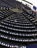 <p>Le Parlement européen se dit déterminé à se battre contre toute suspension administrative de la connexion à internet telle que le prévoit en France le projet de loi Hadopi en cours d'examen. /Photo d'archives/REUTERS/Vincent Kessler</p>
