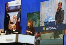 <p>Dirigenti Windows Live a una conferenza nel 2007. REUTERS/Fred Prouser (UNITED STATES)</p>
