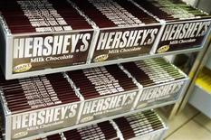 <p>Rows of Hershey candy bars are seen inside the Hershey Store in New York, June 17, 2008. REUTERS/Shannon Stapleton</p>