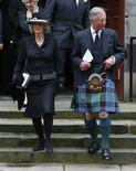 <p>Il principe Carlo e sua moglie Camilla, Aberdeen, Scozia, 15 aprile 2009. REUTERS/David Moir</p>