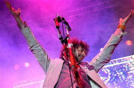 Wayne Coyne of the Flaming Lips performs at the Virgin Festival in Baltimore, Maryland. REUTERS/Jonathan Ernst