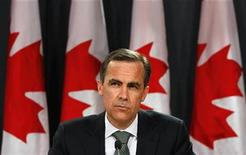 <p>Bank of Canada Governor Mark Carney listens to a question during a news conference upon the release of the Monetary Policy Report in Ottawa April 23, 2009. REUTERS/Chris Wattie</p>
