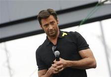 "<p>Actor Hugh Jackman gestures as he attends the premiere of the movie ""X-Men Origins: Wolverine"" in Tempe, Arizona, April 27, 2009. REUTERS/Joshua Lott</p>"