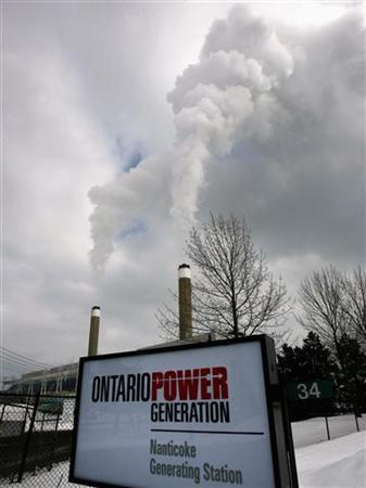 Smoke rises from stacks at the Coal-fired Nanticoke Generating Station, owned by Ontario Power Generation in Nanticoke, February 28, 2007. REUTERS/J.P. Moczulski