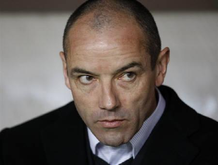 Paris St Germain 's coach Paul Le Guen seen at Parc des Princes stadium in Paris in this March 15, 2009 file photo. REUTERS/Charles Platiau