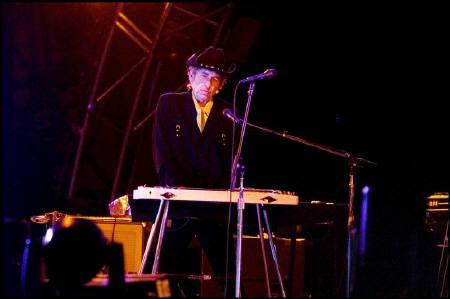 5月5日、米ベテラン歌手ボブ・ディラン(写真)の最新アルバムが英アルバムチャートで初登場1位に。2006年6月撮影(2009年 ロイター/Peter Elmholt/Scanpix)