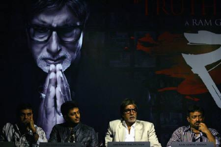 (From L - R) Bollywood actors Paresh Rawal, Ritesh Deshmukh, Amitabh Bachchan and Indian filmmaker Ram Gopal Varma attend a news conference for their forthcoming movie 'Rann' at an art gallery in New Delhi May 6, 2009. REUTERS/Vijay Mathur