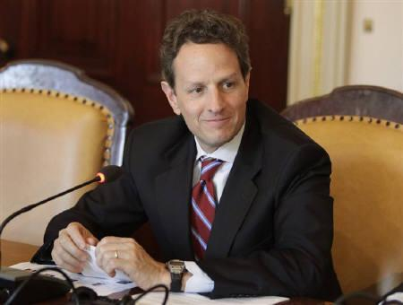 U.S. Treasury Secretary Timothy Geithner is seen in Washington in this April 25, 2009 file photo. Geithner said on Friday it was time to review how regional Federal Reserve banks are governed to ensure the public feels confident no conflicts of interest are at play. REUTERS/Yuri Gripas/Files