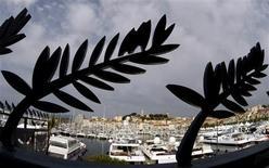 <p>Luxuosos iates no porto de Cannes. 12/05/2009. REUTERS/Eric Gaillard</p>
