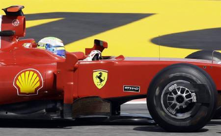 Ferrari Formula One driver Felipe Massa of Brazil drives during the first free practice session for the Spanish F1 Grand Prix at the Catalunya racetrack in Montmelo, near Barcelona, May 8, 2009, file photo. REUTERS/Gustau Nacarino
