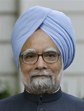 Prime Minister of India Manmohan Singh addresses the media before his meeting with Congress Party chief Sonia Gandhi at her residence in New Delhi May 16, 2009. REUTERS/Adnan Abidi