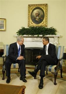 U.S. President Barack Obama (R) meets with Israel's Prime Minister Benjamin Netanyahu in the Oval Office of the White House in Washington, May 18, 2009. REUTERS/Larry Downing