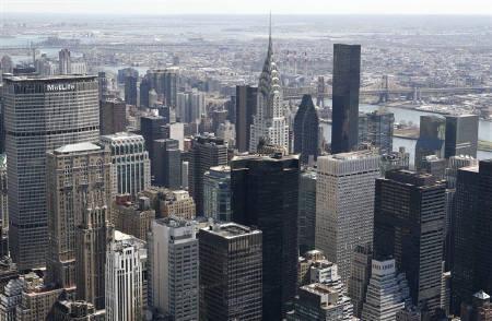 5月21日、ムーディーズは、米国の「AAA」格付けについて、現時点では満足と表明。写真は昨年4月、ニューヨークで(2009年 ロイター/Gary Hershorn)