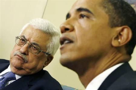 U.S. President Barack Obama meets with Palestinian President Mahmoud Abbas in the Oval Office of the White House in Washington May 28, 2009. REUTERS/Kevin Lamarque